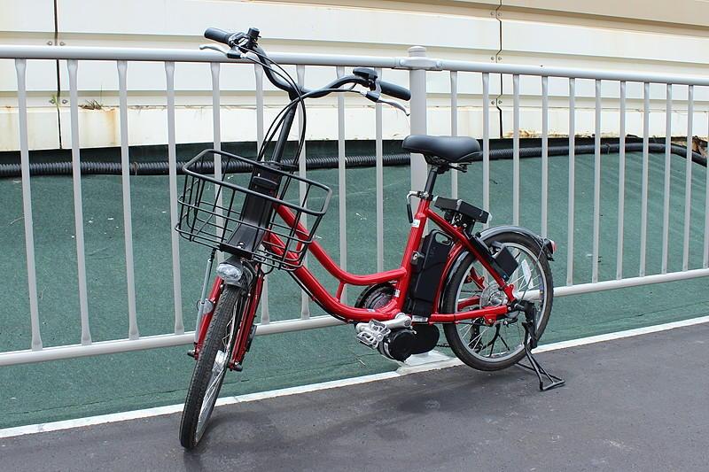 赤い「レッツバイク」。