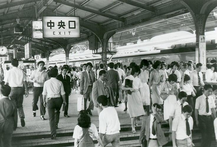 1980年、東京駅ホーム